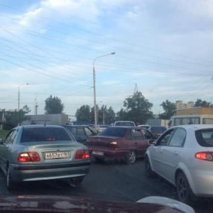 В Ростове на Западном образовалась огромная пробка