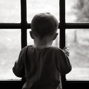 В Ростове-на-на-Дону утром 11 июня 7-летний мальчик разбился насмерть, выпав из окна 9-го этажа