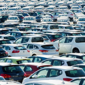 Эксперты отмечают небывалое падение рынка автомобилей в крупнейших городах России. В число городов с отрицательной динамикой попал Ростов-на-Дону