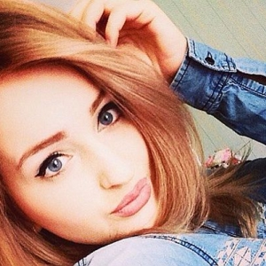 В Ростове девушке, пострадавшей в тройном ДТП на Текучёва, сделали третью операцию