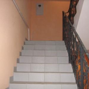 В Таганроге (Ростовская область) по факту падения с лестницы в подъезде двухлетнего ребенка