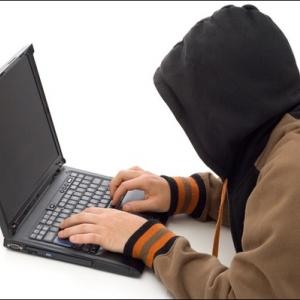 Интернет-мошенник из Ростовской области обманул заказчиков на 50 тысяч рублей