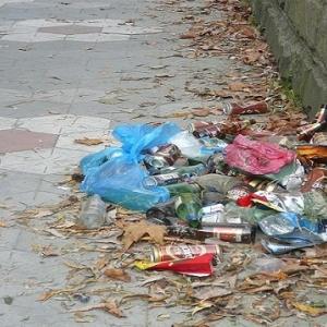 В Ростове места для отдыха завалены мусором