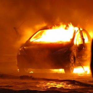 Четыре автомобиля и один мотоцикл «Урал» сгорели с начала текущей недели. Государственный пожарный надзор выясняет причины происшествий