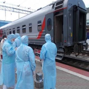 Роспотребнадзор провёл учения и «обнаружил» опасный вирус у пассажира поезда, прибывшего в Ростов-на-Дону