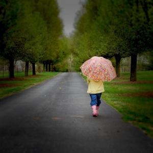 Маленький ребёнок разгуливал по улицам слободы Советка в абсолютном одиночестве