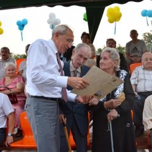 В День семьи в Ростове наградили семейные пары-юбиляры