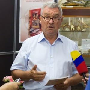 Председатель  ЮНЦ РАН, академик Геннадий Матишов на днях представил свою новую книгу  о взаимоотношениях России и Украины
