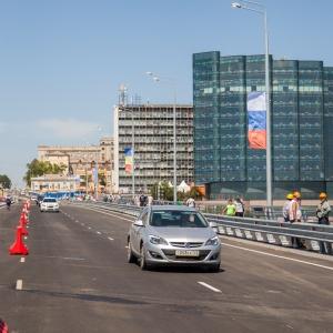 В Ростове открыли Ворошиловский мост для автомобилей
