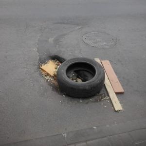 Общероссийский народный фронт устроил очередную акцию по тыканью носом чиновников в то, чем они должны заниматься. В этот раз — на тему ремонта дорог