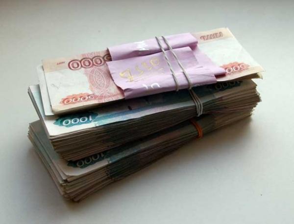 В Ростовстате опубликовали информацию, что в области средняя зарплата (не учитывая субъекты малого предпринимательства) выросла до 25,7 тыс. рублей, что превышает тот же показатель 2013 года на 10,5%