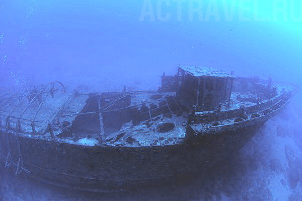Доля затонулої у Голопристанському районі баржі з боєприпасами вирішиться сьогодні